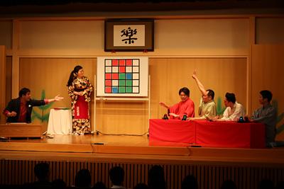 長戸勇人が司会・解説する落語とクイズのコラボイベント「アタック寄席25」レポート