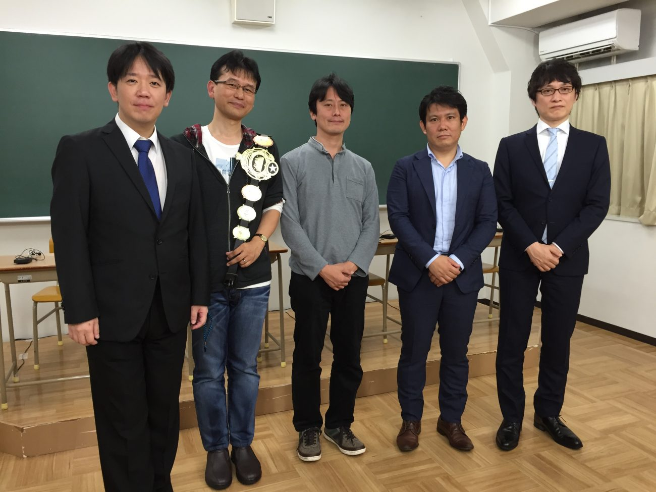QUIZ JAPAN TVのオリジナルクイズ番組「魁!!クイズ塾」第20回は「サラリーマン大会」!