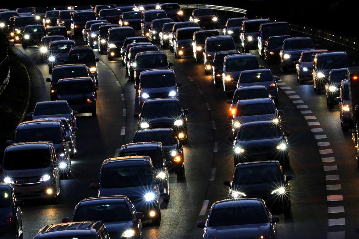 ゾッとする長さ…日本で最も長い高速道路の渋滞距離は何kmだったでしょう?