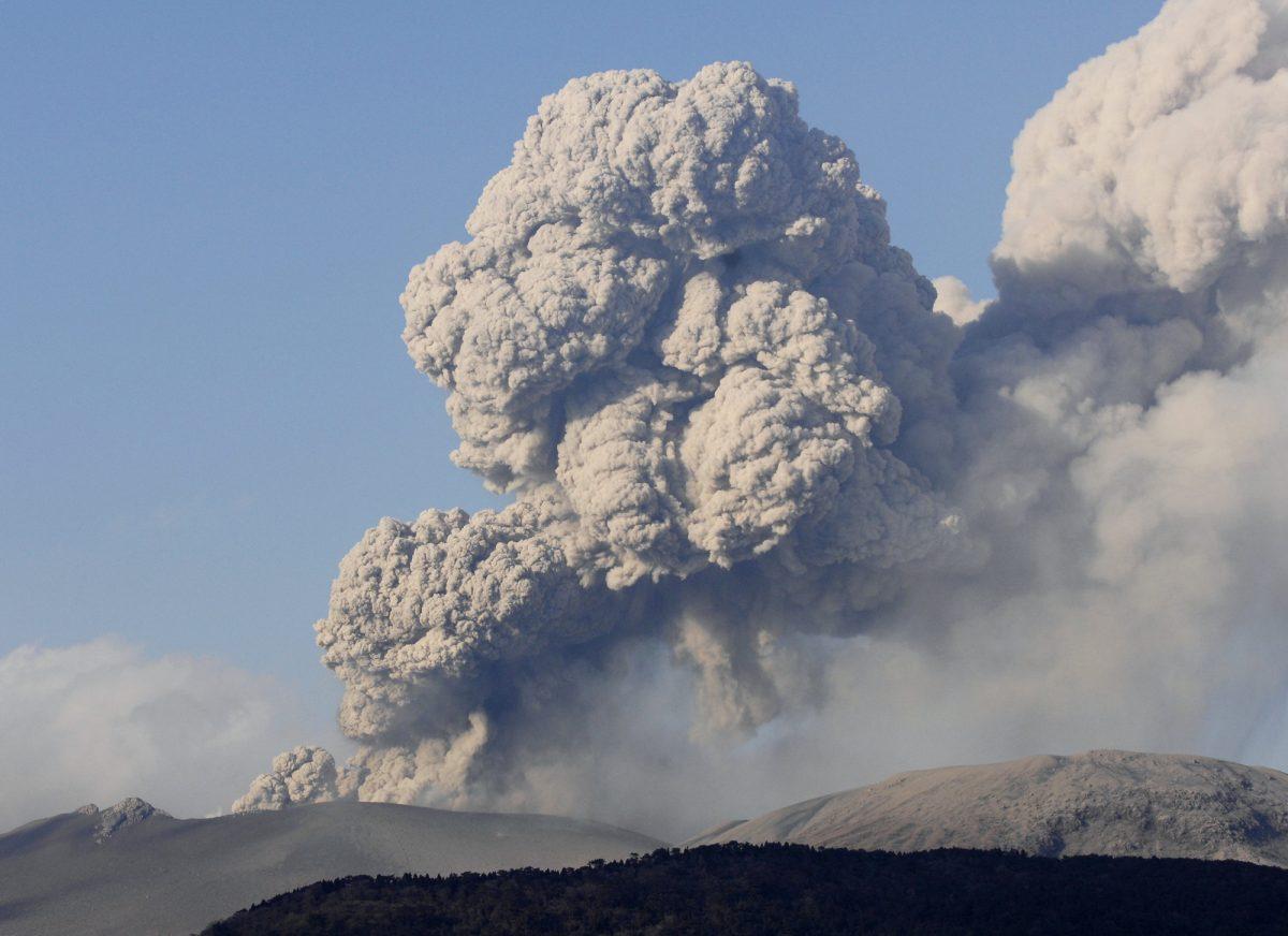 いったい誰が? 火山活動が続く霧島連山は、日本初の新婚旅行先だったってホント!?