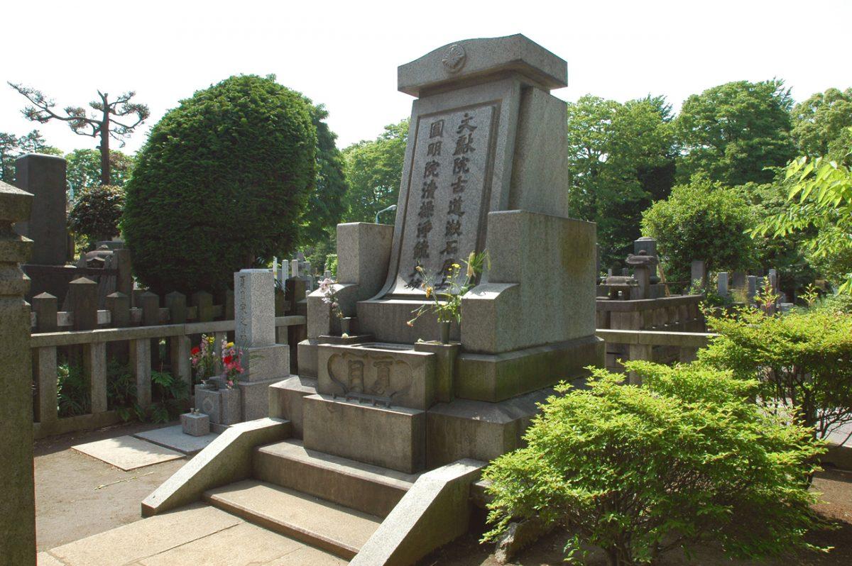 """市場規模1兆円超の""""終活""""。その裏で相次ぐ""""墓トラブル""""とは?"""