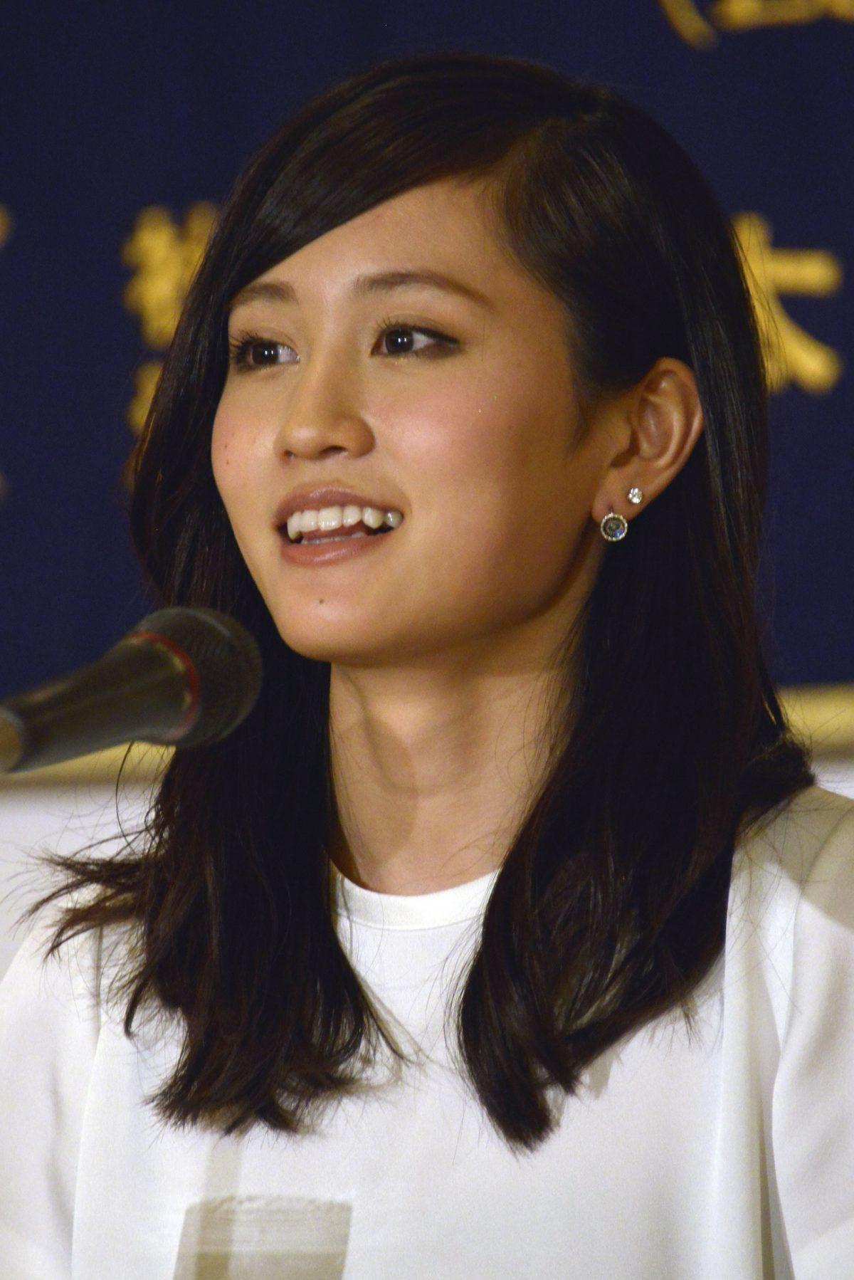 """前田敦子と""""前髪クネ男""""の恋のキューピットは個性派俳優…いったい誰?"""
