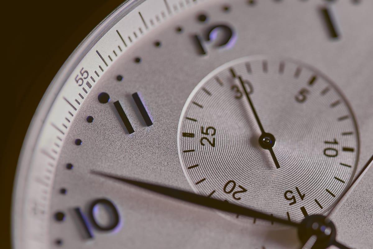 時計の針がすべて右回りなのはナゼ?